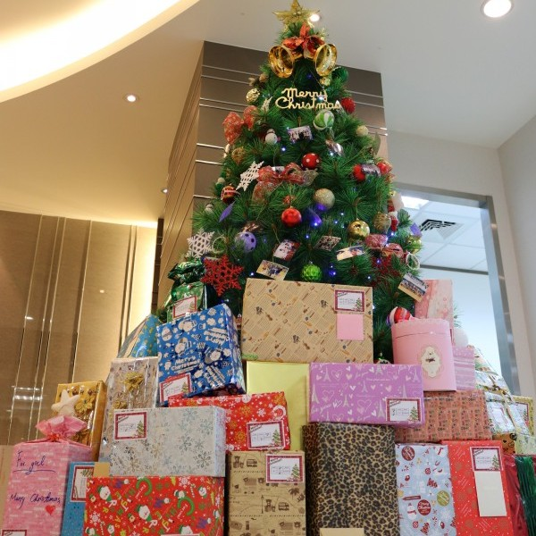 Christmas shoe box event by IC Broadcasting Company