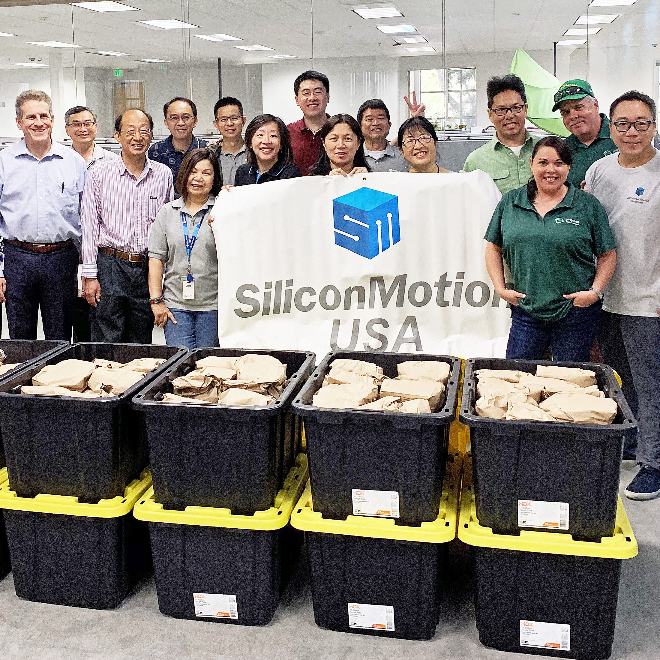Serve the food with love, Silicon Motion assembled 500 lunch bags and donated them to  Loaves & Fishes Family Kitchen for our hungry neighbors in needs.